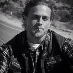 Recalling the goodbye forever of Jax Teller  because Thursday is to remember.☹️ . #CharlieHunnam #TBT #JaxTeller #SonsOfAnarchy #SOA #PerfectCharlie #GoodByeJaxTeller #ILoveCharlieHunnam #AmoACharlieHunnam #SexiestManAlive