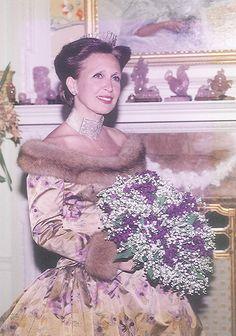 Wedding gown by Oscar de la Renta Fairytale Gown, Danielle Steel, I Got Married, Purple Velvet, Taupe Color, Social Events, Famous Women, Toolbox, Lyon