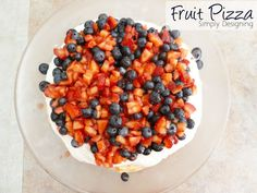 fruit-pizza.jpg 640×480 pixels