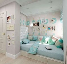 Exciting Teen Girl Bedrooms example 2398881450 - Uncomplicated and exceptional teen room decor examples and inspirations. For other spectacular decor designs please pop to the pin image now. Bedroom Interior, Teenage Bedroom, Girl Bedroom Decor, Dream Rooms, Room Design, Small Bedroom, Dream Bedroom, Home Bedroom, Room Inspiration