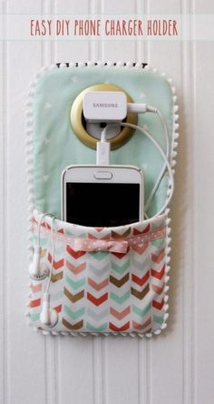 Best Sewing Projects to Make For Girls - Easy DIY Phone Charger Holder - Creativ. - Best Sewing Projects to Make For Girls – Easy DIY Phone Charger Holder – Creative Sewing Tutori - Easy Crafts For Teens, Easy Diy Crafts, Homemade Crafts, Fun Diy, Teen Crafts, Diy Crafts At Home, Craft Ideas For Teen Girls, Kids Diy, Creative Crafts