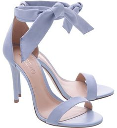Sandália Nobuck Isabelli Lace Up Alta Crystal Blue Sandália Nobuck Isabelli Lace Up Alta Crystal Blue Cute Shoes Heels, Cute High Heels, Fancy Shoes, Pretty Shoes, Me Too Shoes, Casual Shoes, Women's Shoes, Heeled Boots, Shoe Boots