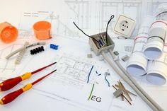 Ob Smart Home, Küchenplanung oder Elektroinstallationen – auch beim Innenausbau Ihres neuen Heims gibt es viele Kleinigkeiten zu beachten. Unsere Checklisten zum Innenausbau unterstützen Sie bei der Planung und Kontrolle Ihres Innenausbaus.