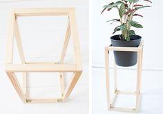 Auf dem Blog gibt es heute gleich zwei DIY Projekte mit Pflanzen! Eine Blumenampel aus Messingrohren und einen Pflanzenständer aus Holz. Hier geht's zur A..