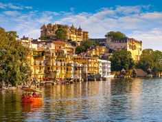 Popular as Venice of India or Lake City of India, there are numerous beautiful things to do in Udaipur, Rajasthan. You can get overwhelmed if you visit there for a short span of time. The romantic Northern 'City of Lakes' offers multiple holiday fun enhancer as some of the best luxurious hotels in India.