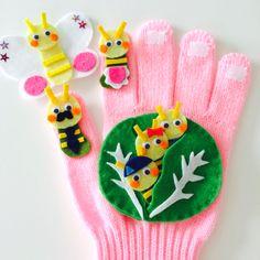 【受注生産】手袋シアター キャベツの中から 保育 ちょうちょ♪ Hand Puppets, Finger Puppets, Puppet Show, Stuffed Toys Patterns, Origami, Projects To Try, Costumes, Christmas Ornaments, Sewing