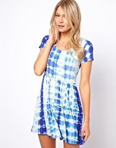 Tie-dye T-shirt dress Get 7% cash back at http://www.studentrate.com/all/get-all-student-deals/ASOS-Student-Discount--/0