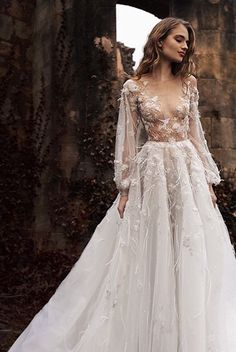 Designer Paul Vasileff of #paolo_sebastian sought to push the boundaries of his label's craftsmanship with the Nightingale collection. The resulting gowns are testament to his tenacity - every design is imbued with the most intricate of details and each closer glance reveals wondrous new facets which before would have gone unnoticed..