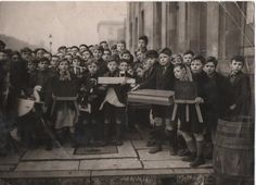 Marton Grove Schoolboys A crowd of schoolboys from Marton Grove School with things they made in woodwork class - circa Not sure, but . Home History, Middlesbrough, Woodworking Classes, School Boy, Documentary Photography, Diy Wood Projects, Old Pictures, Crowd, Boro