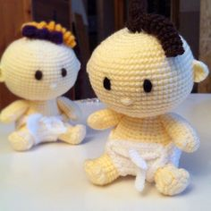 You can find this pattern, baby with a surprise in the diaper on Ravelry http://www.ravelry.com/patterns/library/baby---with-a-surprise-in-the-diaper amigurumi