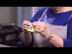 Video Tutorial - How to Start a 3-in-3 Chain with a Twist - Fire Mountain Gems and Beads