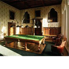 Arundel Castle billiards room Inside Castles, Castle Interiors, Arundel Castle, Castle Howard, English Interior, English Castles, British Royal Families, Billiard Room, Grand Homes