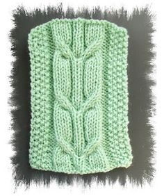 Knitting Patterns for the beginner or the advanced knitter: Crossed Arrow Cable Knit Stitch Pattern