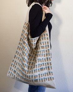 Amparo de la Sota: bag, crochet, linen.