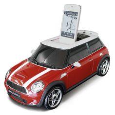 Maximaler Mini - Dieser Mini Cooper rockt im 2.1 Surround Sound.
