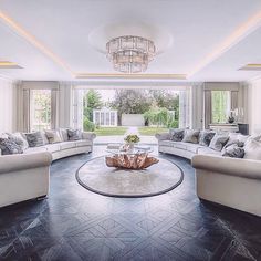 Home Decor Bedroom, Home Living Room, Living Room Decor, Luxury Rooms, Luxury Living, Dream House Interior, Home Interior Design, Sophisticated Living Rooms, Modern Lounge