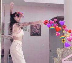 Memes apaixonados melanie 59 ideas for 2019 Martinez Melanie, Crybaby Melanie Martinez, Billie Eilish, Adele, Sending Love And Light, Heart Meme, Cry Baby, Her Music, Celebs