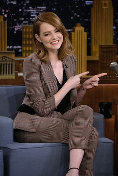 Emma Stone Photos Photos - Emma Stone Visits 'The Tonight Show Starring Jimmy Fallon' at Rockefeller Center on December 1, 2016 in New York City. - Emma Stone Visits 'The Tonight Show Starring Jimmy Fallon'