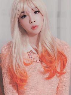 Gorgeous Blonde to Orange Layered Dye-Dip
