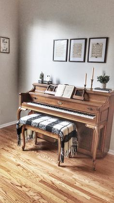 Among so many musical instruments, the piano is one of the favorites. From little kids until grandma love to playing the piano. Give your home a warm v… Piano Living Rooms, Home Living Room, Piano Room Decor, Cozy House, Home Decor Inspiration, Decor Ideas, Decorating Your Home, Piano Decorating, Home Remodeling