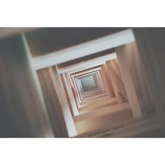 {98-VERTIGO 1958} You shouldn't keep souvenirs of a killing. You shouldn't have been that sentimental. Non dovresti tenere i ricordi di un omicidio. Non dovresti essere così sentimentale. -Alfred Hitchcock-  #vsco #vscoph #VSCOcam #vscogrid #vscoshots #vscomoment #igers #instavsco #ig #instacool #instagood #vscophile #photooftheday #instacyool #instagramer #instadaily #instagood #instagramhub #tbt #follow #instamood #bestoftheday #picoftheday #365project #365movie #vertigo #hitchcock