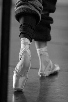 a-mirp-ballerina:  a-mirp-ballerina:  Tondu ala second  Not my pic btw