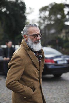 menlovefashiontoo: Quality Men's Bracelets - men's fashion & style Grey Beards, Men With Grey Hair, Mature Fashion, Street Style, Mature Men, Gentleman Style, Beard Styles, Bearded Men, Dapper