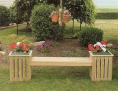 Amish Pine Outdoor Country Bench Planter with Plastic Pot