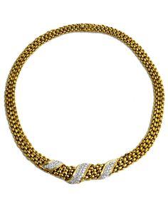 Halsweite: ca. 46 cm. Gewicht: ca. 123 g. GG 750. Wohl von Tiffany, im Tiffany-Originaletui. Elegantes Collier mit brillantbesetztem Mittelstück, zus ca. 2,45...