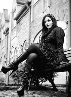 Gothic Fashion / Woman / Black Dress / Shoes / Dark Photography / Gothique Girl // ♥ More @lDarkWonderland