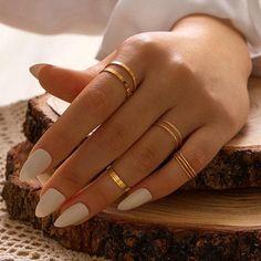 Hand Jewelry, Cute Jewelry, Jewelry Accessories, Gold Rings Jewelry, Trendy Accessories, Women's Jewelry, Womens Jewelry Rings, Jewelry Bracelets, Jewellery