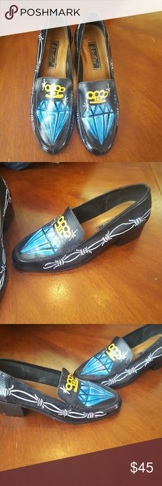 Custom painted shoes. Woman's pair of shoes custom painted size 8m. Shoes