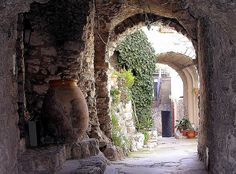 Peillon : Provence passageway by CatChanel,
