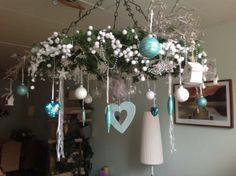 Leuke vervanging van de kerstboom!  Gemaakt met een wiel