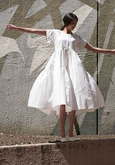 Maryam Nassir Zadeh Robe Florenza Popeline Blanche / www. Look Fashion, Womens Fashion, Fashion Design, Street Looks, Look Boho, Luxury Dress, Mode Inspiration, Mode Style, Fashion Dresses