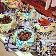 Fofurices da festa mais deliciosa do ano . amo festa junina estou pensando em uma tarde brincante em nosso Quintal com comidinhas típica pescaria quadrilha improvisada pras crianças e pros papais e muito forró o que acham? #obuffetinfantilmaisdiferentequevcjaviu #buffetbrincante #buffetinfantilgoiânia #brincadeiradecrianca #buffetludico#festacomoantigamente by quintaldaarca http://ift.tt/1YD9cHk