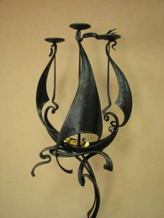 Blacksmith Projects, Metal Art Sculpture, Metal Candle Holders, Welding Art, Iron Work, Metal Artwork, Metal Crafts, Blacksmithing, Wrought Iron