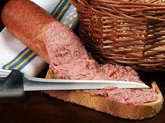 Колбасу Чаксоло, производимую в регионе Марке, хорошо намазывать на хлеб. Густо-тур - Gusto-tour | Пасхальный завтрак