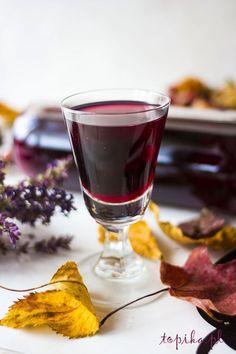 nalewka, nalewka winogronowa, ciemne winogrona, My Favorite Food, Favorite Recipes, Christmas Food Gifts, Fancy Drinks, Polish Recipes, Polish Food, Irish Cream, Non Alcoholic Drinks, Cocktails