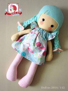 Mini Miss doll. Diy Rag Dolls, Sewing Dolls, Tiny Dolls, Soft Dolls, Rag Doll Tutorial, Homemade Dolls, How To Make Toys, Fabric Toys, Paper Toys