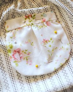 hart + sew | Vintage Baby Clothing: tutorial: pleated pockets