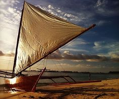 Riding the paraw - a double outrigger sail boat,  in #Boracay - #Philippines  http://www.aluxurytravelblog.com/2012/12/26/photograph-of-the-week-riding-the-paraw-in-boracay/
