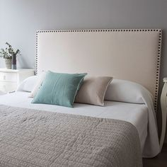 Comfy Bedroom, Bedroom Bed Design, Room Ideas Bedroom, Blue Bedroom, Home Decor Bedroom, Home Living Room, Bedroom Furniture, Master Bedroom, New Beds