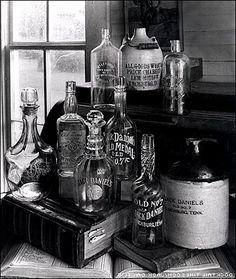 Old Vintage Jack Daniels Bottles - Cocktail Times