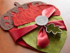 Handmade Hostess Gift Ideas | Home Made Simple. Festive felt acorn trivets using wool felt.