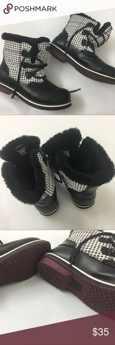 [Athletech] Thermolite Boots Size 10 Gently worn Athletech Thermolite boots in size 10 with faux fur lining. Athletech Shoes Winter & Rain Boots