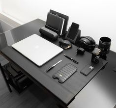 Trendy Home Office Quarto Gamer 36 Ideas Office Setup, Desk Setup, Study Office, Office Decor, Office Table, Office Space Design, Home Office Space, Home Office Desks, Office Spaces