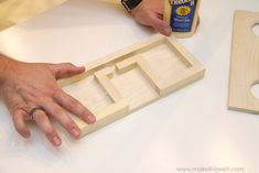 Passive Amplifiers DIY: How to Make a Wooden Speaker For Your Phone Wooden Speakers, Diy Speakers, Wireless Speakers, Popsicle Stick Diy, Passive Speaker, Woodworking Bench Plans, Woodworking Machinery, Teds Woodworking, Wood Shop Projects