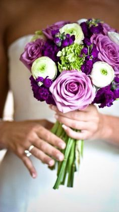 Not sure which amazing photographer to credit with this images, but I love the colours. Lavender green wedding