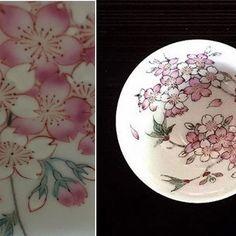 【liumei23】さんのInstagramをピンしています。 《小畑 裕司 さん作品 展示 11月9日(水)〜15日(火)まで 玉川髙島屋 5階 アートサロン ・ 天皇陛下献上の栄誉を賜った窯元で仁窯二代目窯主になります。 ・ 桜の華やかさに咲き誇る様 散るときの はかなさの一瞬の美を極細の色絵で表現されています。 ・ 正円寺というピンクの絵の具に出会い実物の桜の色に近づけるようになったと思いますとおっしゃってました。 ・ 凛とした美しさ。 桜はやっぱり好きだなぁ。 他の職人さんの桜の絵付作品も好きだし、それぞれ違って素晴らしい。 桜 以外にも今回はどんな作品が拝見出来のるか楽しみ。 ・ 小畑さんは とても気さくな方なので気軽に声をかけてみて下さいね。 ・ #小畑裕司#仁窯#九州#福岡#さくら#桜#咲き誇る#美#色絵#うつわ#器#うつわ好き#髙島屋#二子玉川#アートサロン#玉川#展示》